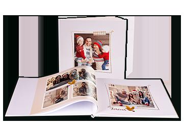 Personalisierbare Fotoprodukte und Fotogeschenke für Ihre Liebsten Lassen Sie sich inspirieren und erstellen einzigartige Fotobücher Fotokalender Fototassen und sonstige Fotoandenken um die Erinnerungen für immer festzuhalten Wählen Sie die Lieblingsbilder aus und lassen sie schnell und günstig online entwickeln!
