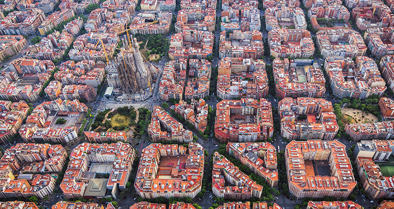 Eixample – the square district of Barcelona