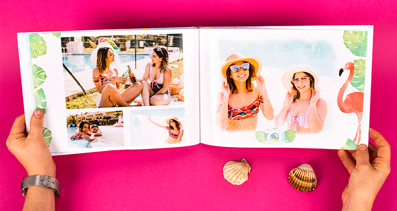 Holiday photobook with photos of two friends, a template with monstera leaves and a flamingo