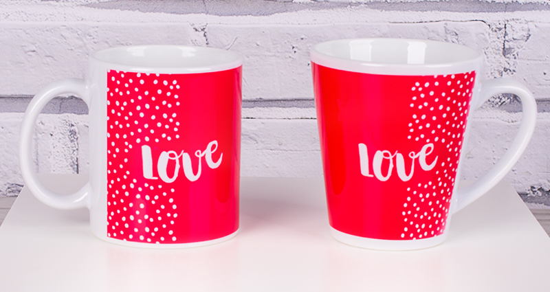 Latte and Coloured Mug on a white jewel casket, template: Dotted Love.