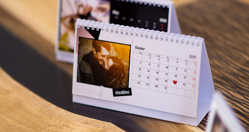 A personalised desk calendar with a white background and an important date